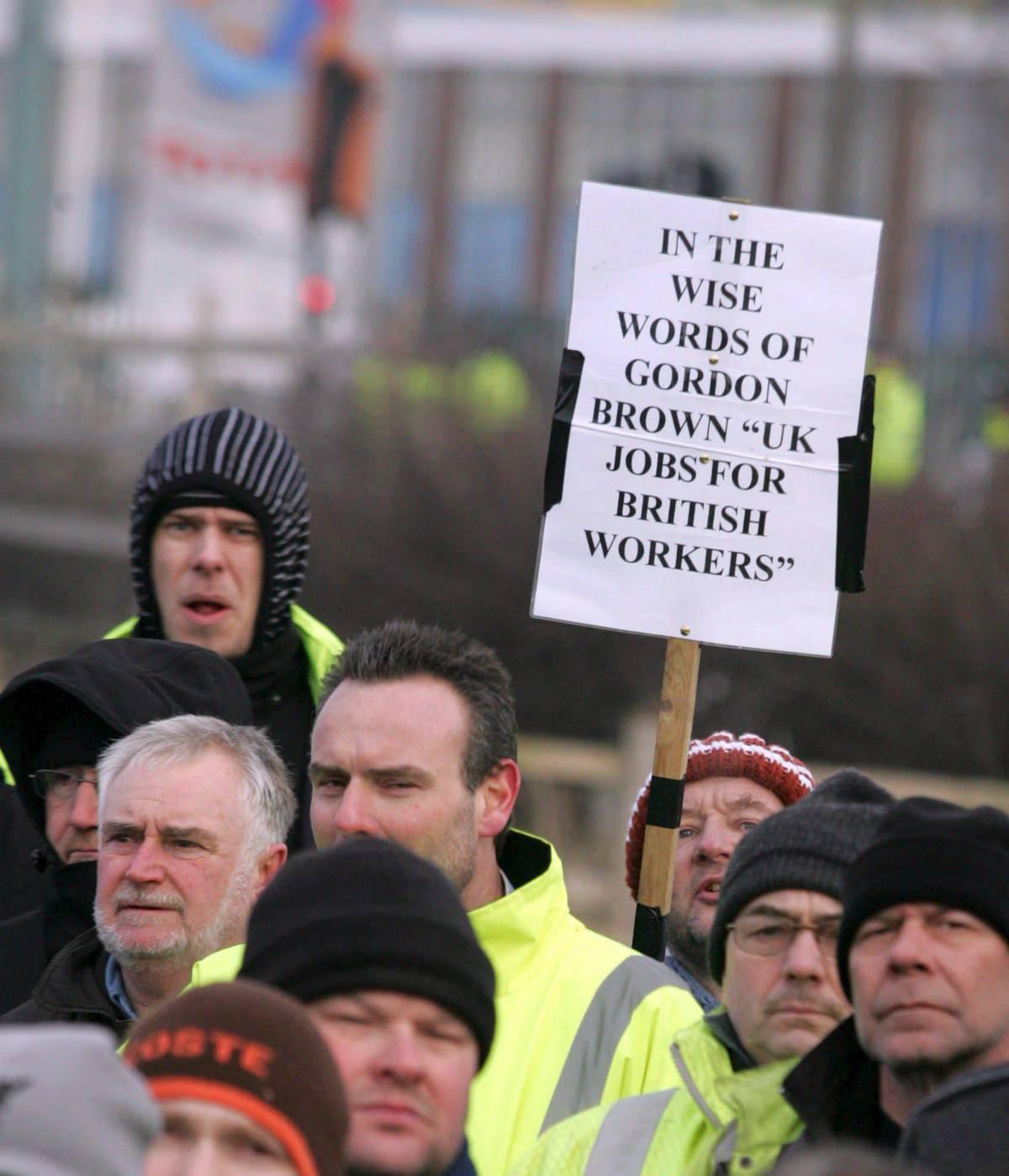 Inglesi in sciopero contro gli italiani