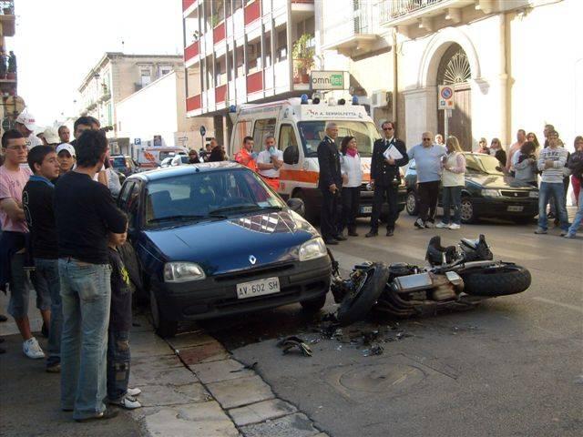 """Stretta sul codice stradale:  alcol zero e scatola nera  per autisti e """"under 21"""""""