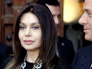 Veronica: divorzio  da Silvio. Il premier:  fatto doloroso e privato
