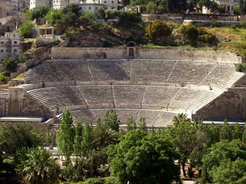 Pausa pranzo nel passato e mostre:  Cinque giorni di festa per il teatro romano