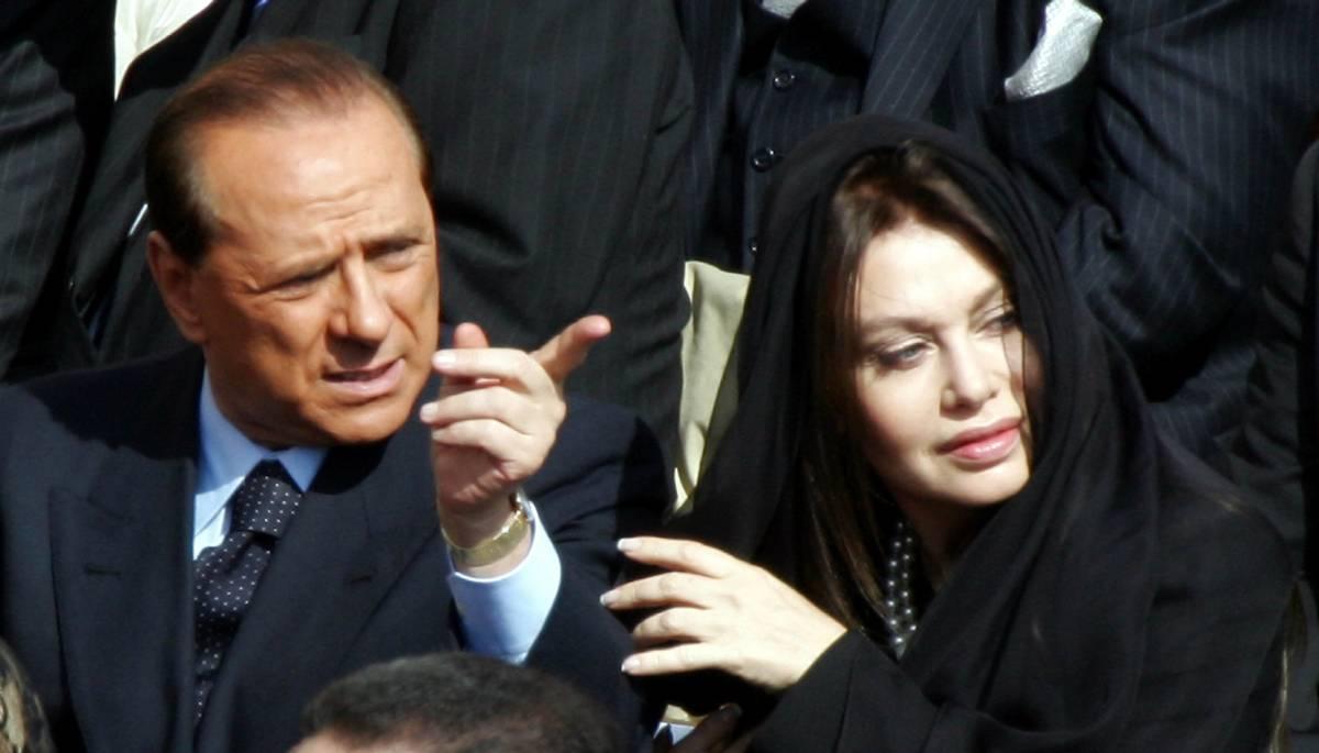 """Veronica e il divorzio,  il Pd: """"Complotto?  Berlusconi patetico"""""""