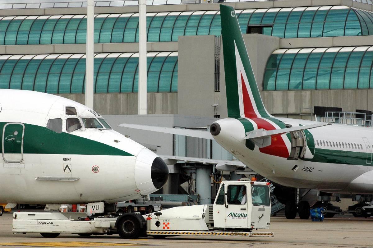 Trasporto aereo, la Ue congela  per 6 mesi l'assegnazione degli slot