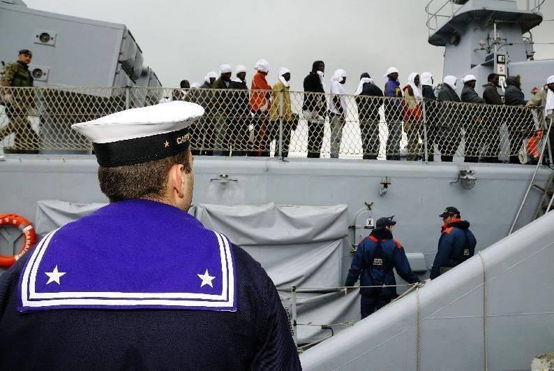 """Immigrati, i barconi rispediti a Tripoli  Onu: """"Errore, rispettare diritto d'asilo"""""""