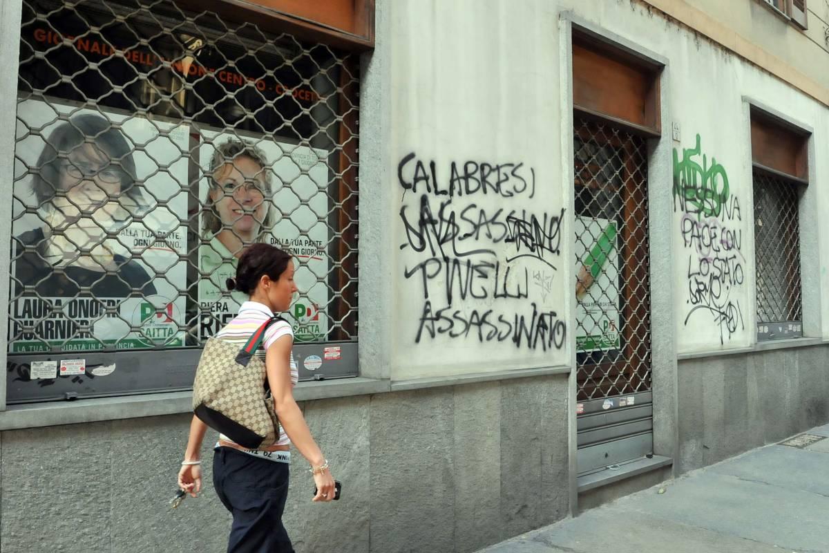 Torino, scritte anarchiche contro Calabresi