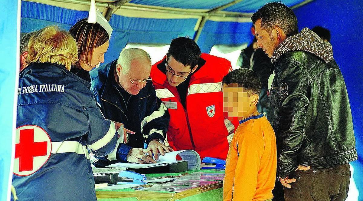 Tbc nei campi rom: la Regione non dà l'ok alle asl
