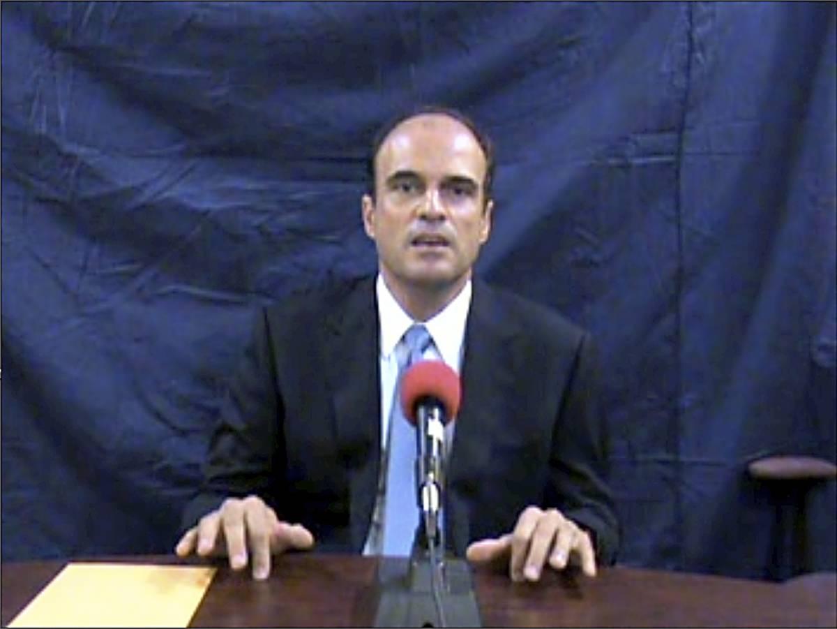 """Guatemala, denuncia choc nel video di un legale:  """"La prova che il presidente mi ha fatto uccidere"""""""