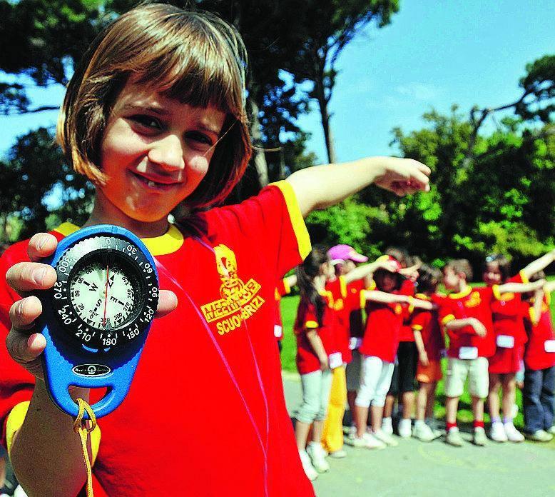 I bambini imparano a marciare nei Parchi di Nervi