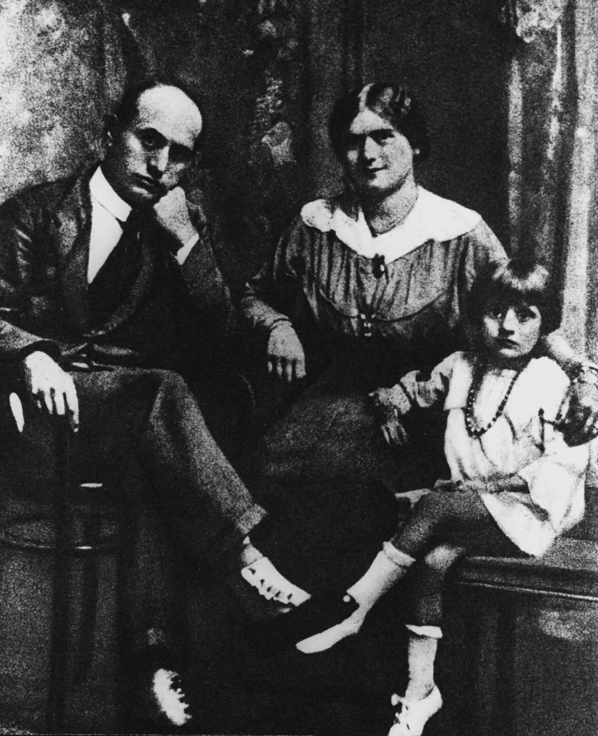 Mussolini e quella moglie di troppo