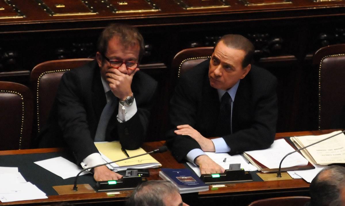 Tensione alla Camera: scambio di battute Maroni-Pd