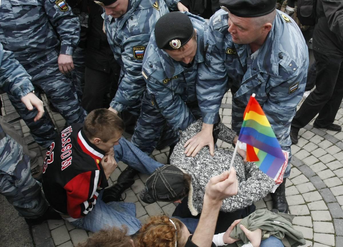 Mosca, venti attivisti gay  arrestati dalla polizia