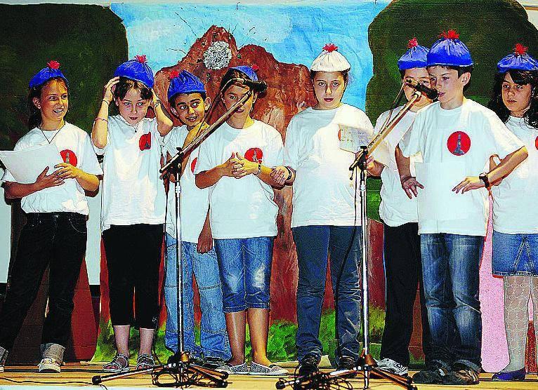 I bambini recitano in «zeneize» per tramandare la lingua dei bisnonni