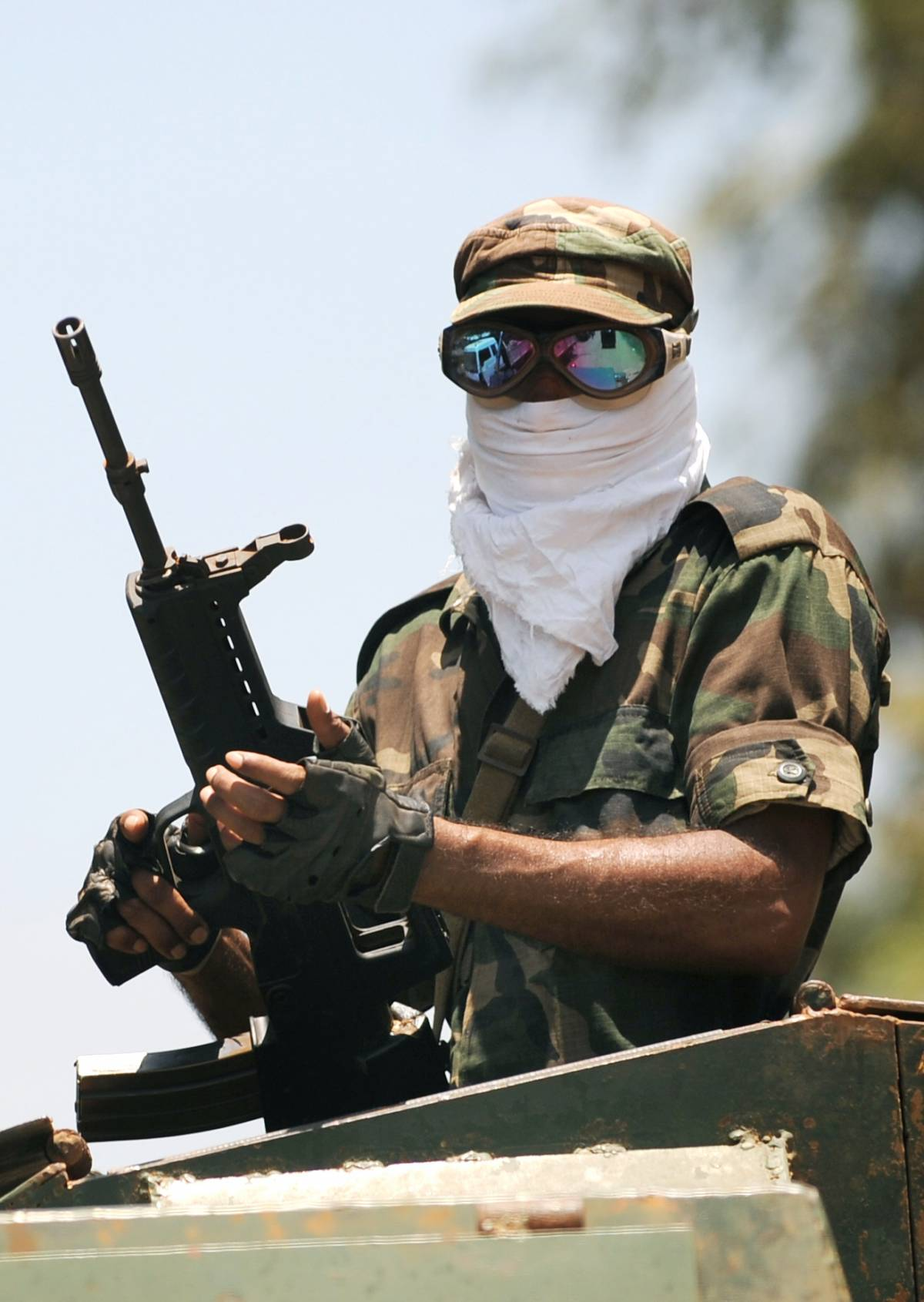 "Sri Lanka, le ""Tigri"" Tamil depongono le armi"