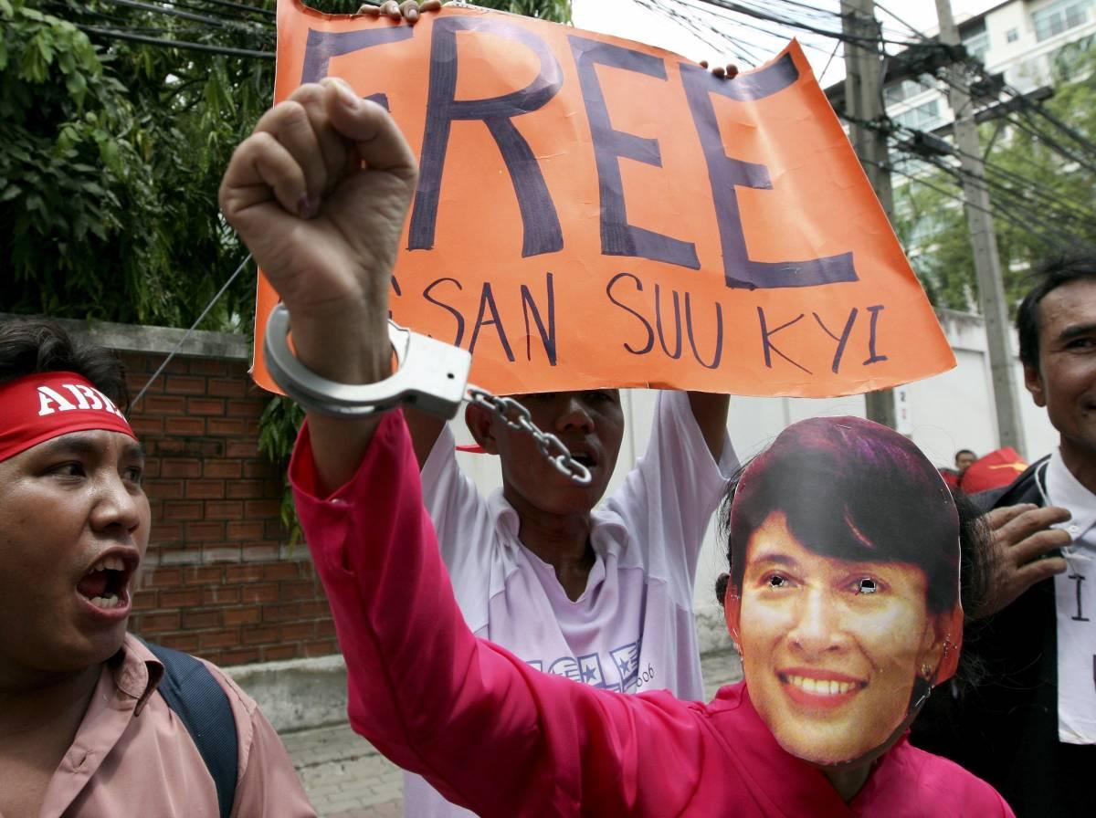 """""""Aung San Suu Kyi  sta meglio, al processo  si dichiarerà innocente"""""""