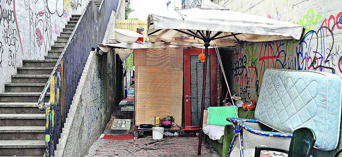 """Allarme dell'Asl:  """"Campi rom bombe  batteriologiche"""""""