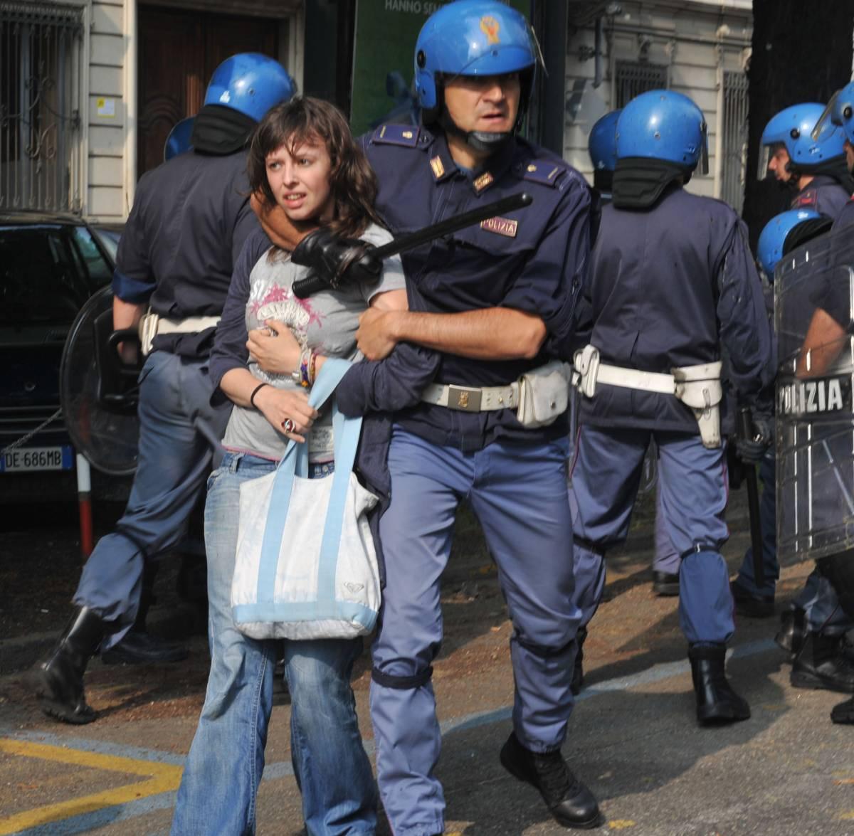 Torino, G8 dell'Università: scontri con la polizia