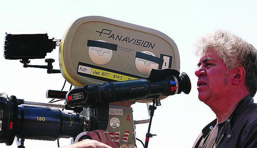 Almodóvar per sbancare Cannes si gioca la Cruz in doppia coppia