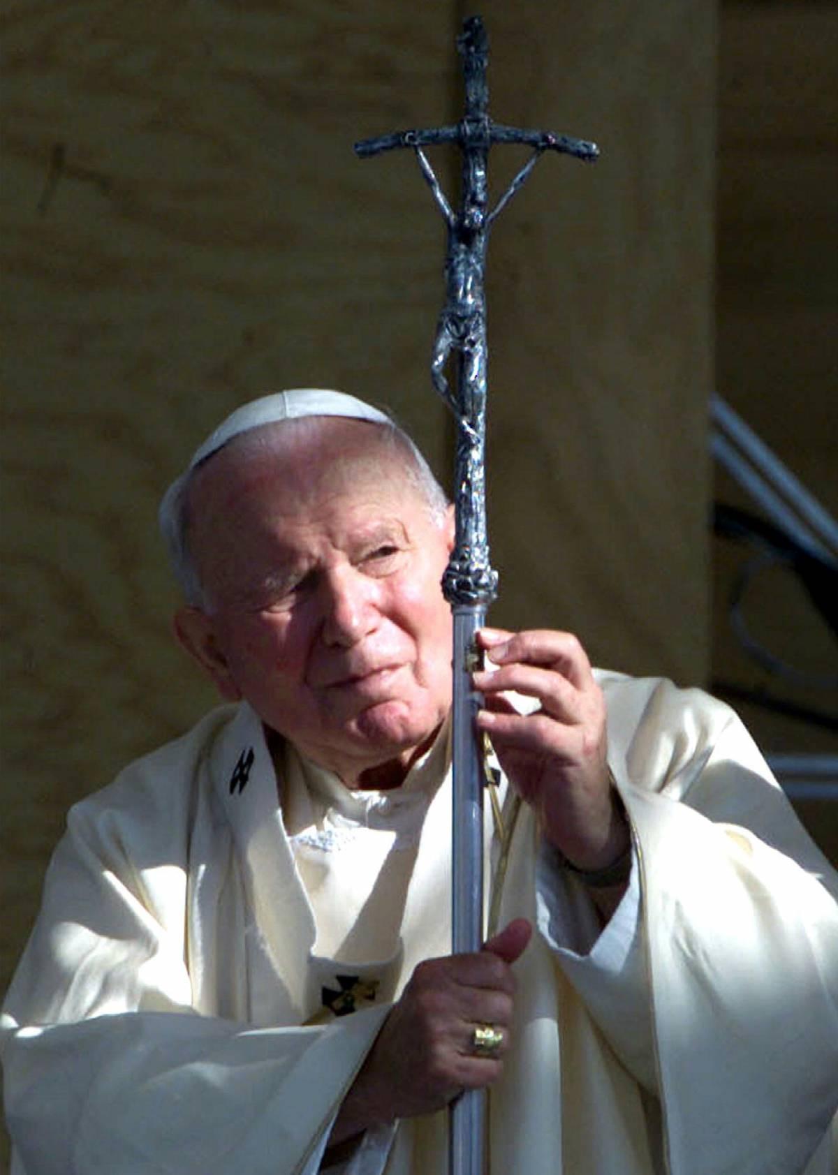 Karol santo (non subito)   I teologi frenano Wojtyla