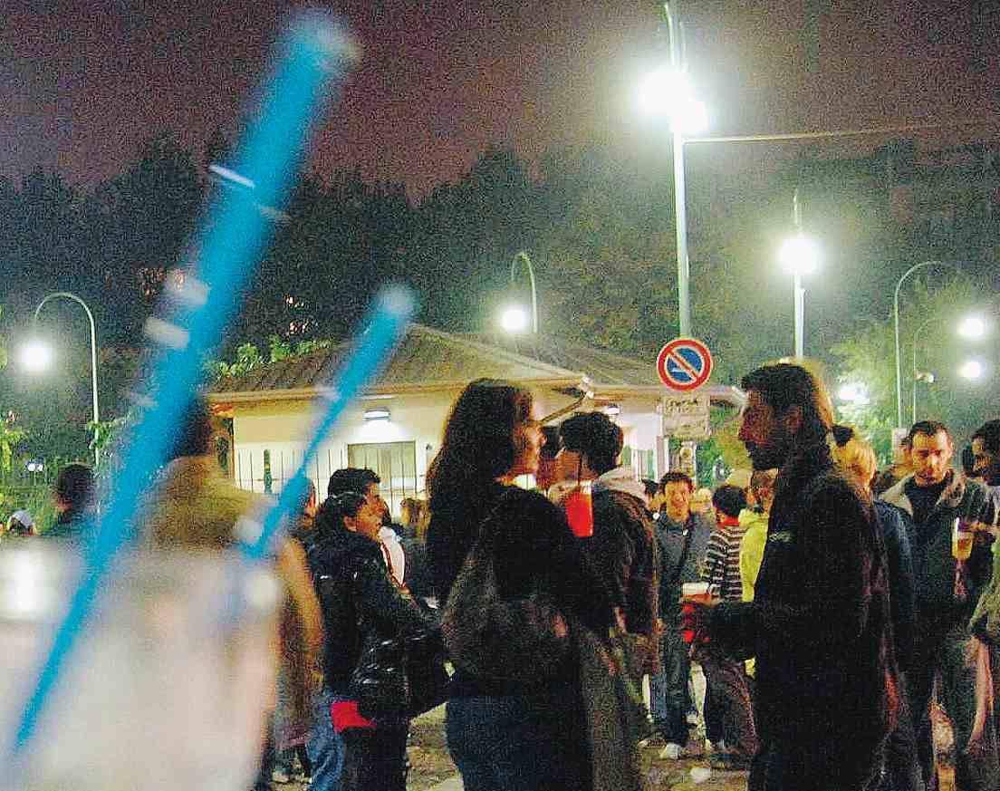 Alcol, kebab, rumori e fumo:  Milano divieto per divieto