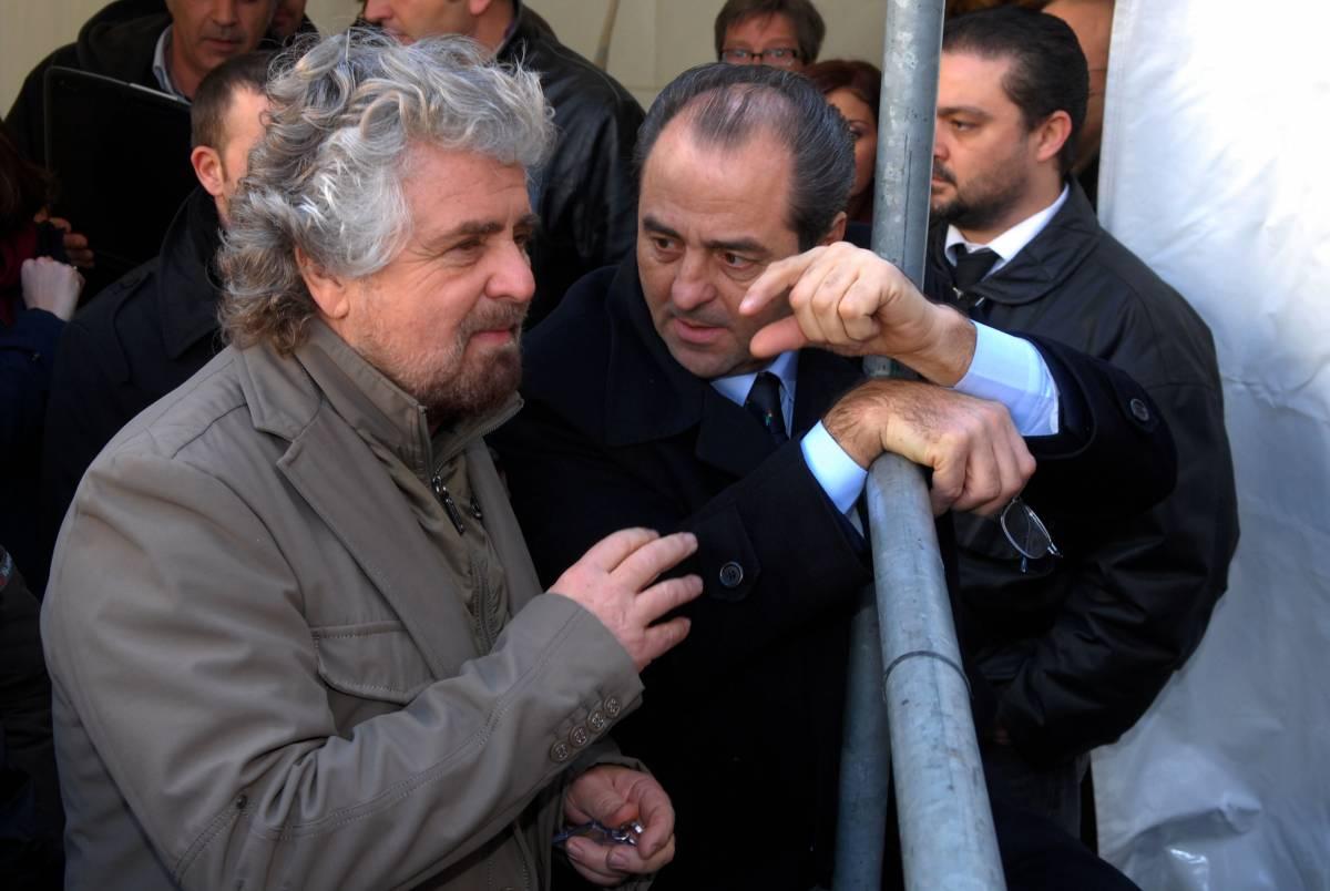 """Grillo si sveglia: """"Tonino, pulizia in Campania"""""""