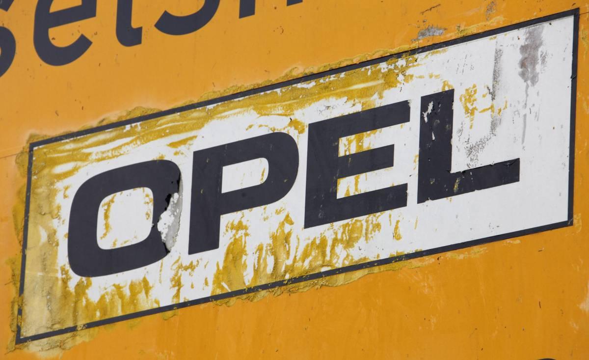 Opel, Marchionne dalla Merkel