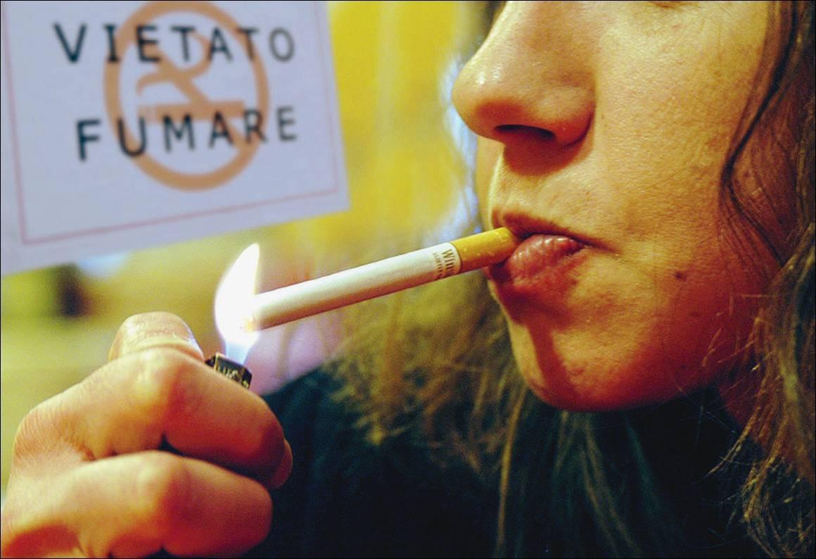 Ritorno del fumo: gli italiani   si riaccendono la sigaretta