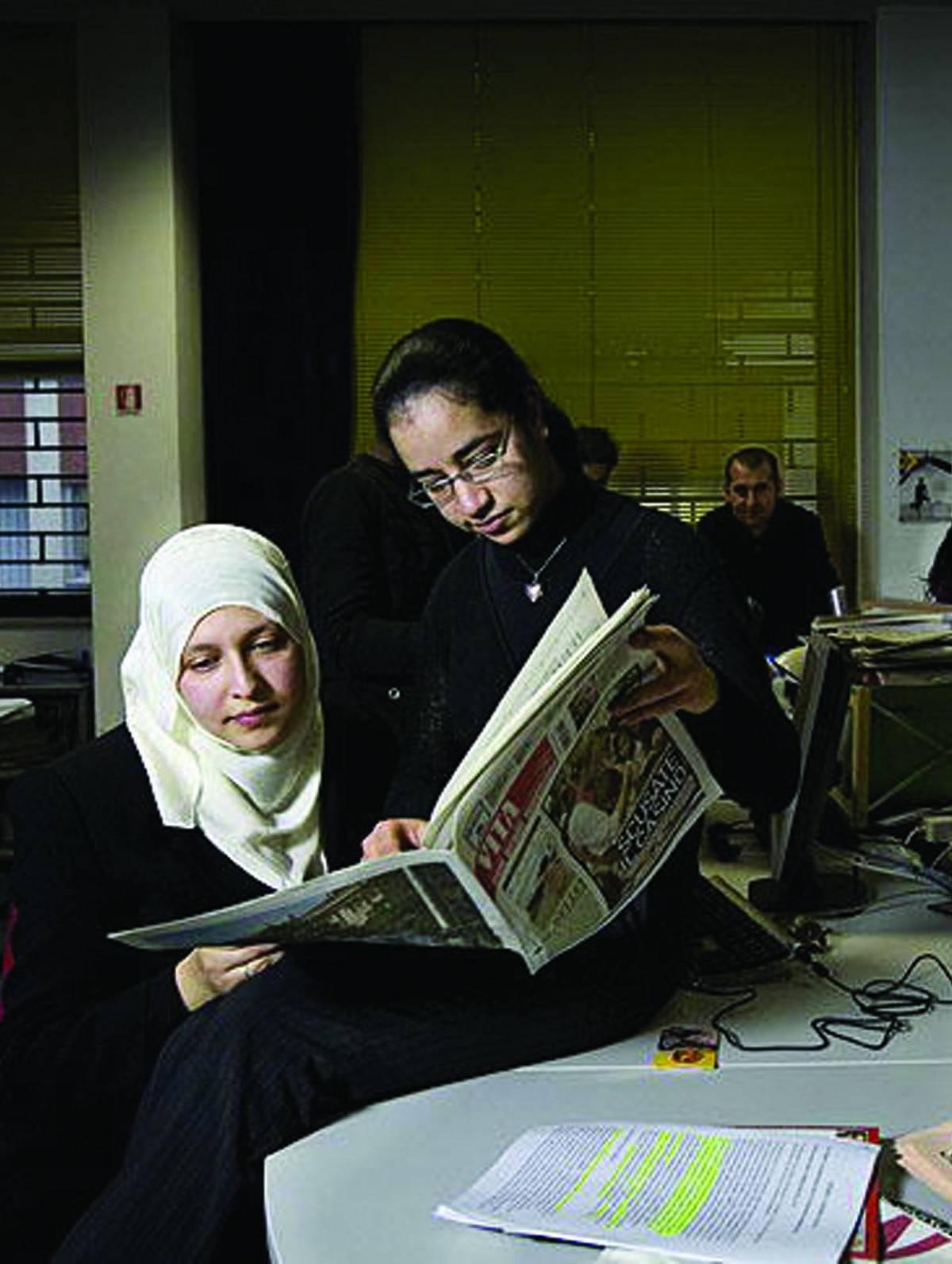 Velo, rossetti e libertà Le penne dell'islam sfidano il pregiudizio