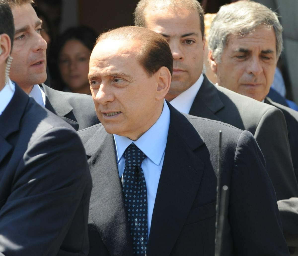 """Usa, la Bbc attacca il Cavaliere: """"Oh no, Silvio!"""""""