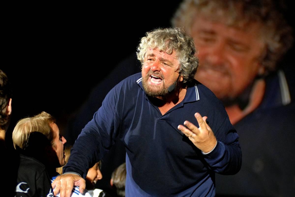 """Grillo scende in campo: """"Fondo un partito  Sarà un Movimento di liberazione nazionale"""""""