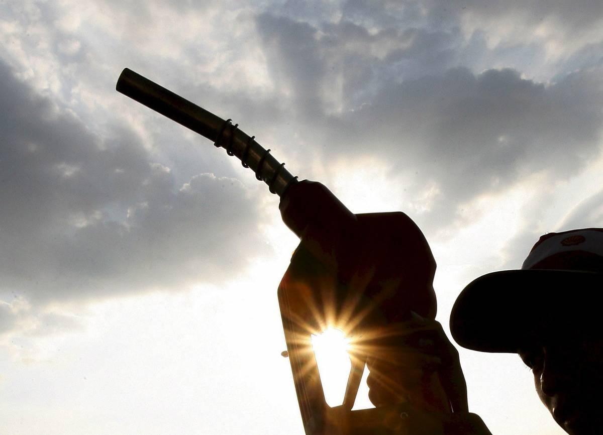 Rincari d'estate: la benzina sale a 1,34 euro