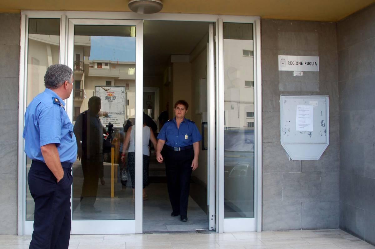 """Bari, carabinieri in Regione: nomine nel mirino   Gasparri: """"Vendola si deve dimettere subito"""""""
