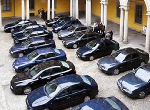 Italia, recorddi auto blu: 600mila