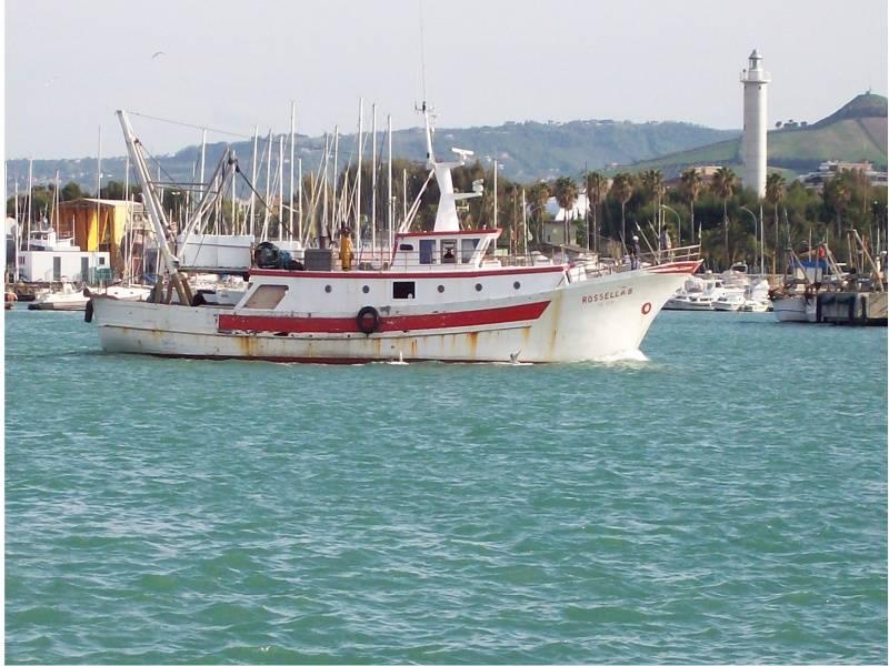 Tripoli, stretta su pescherecci italiani  Divieto di entrata nelle acque libiche