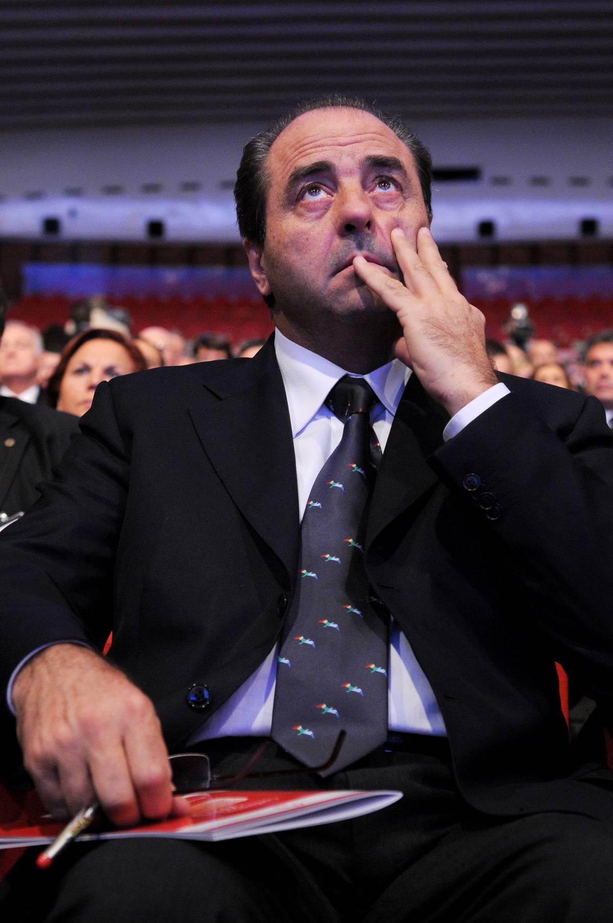 """Tonino sogna il golpe e vuole i politici """"blindati"""""""