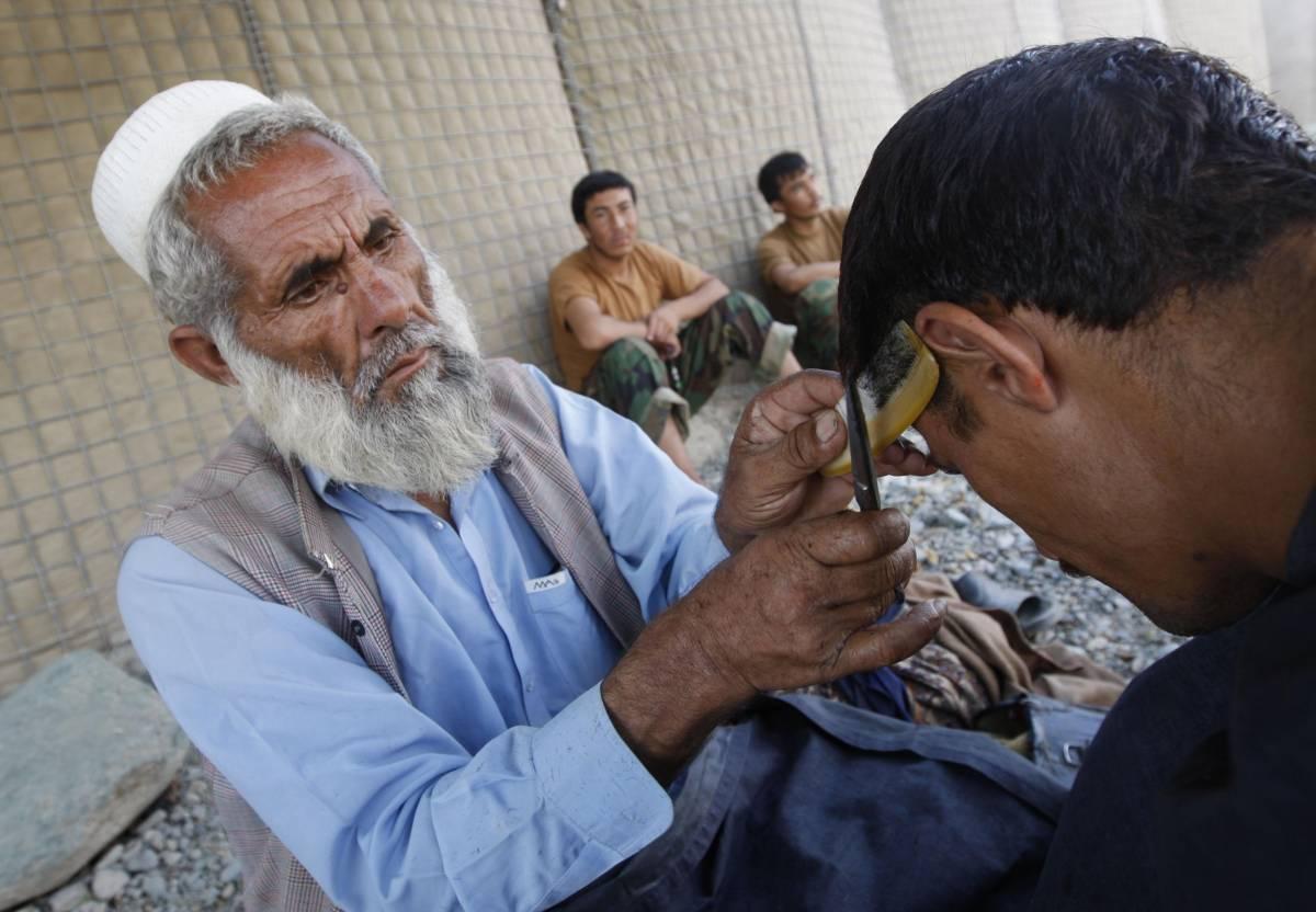 """Kabul, i talebani: """"Taglieremo le dita a chi vota"""""""