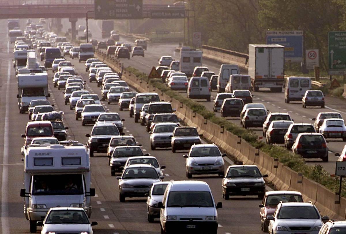 Le vacanze agli sgoccioli:  via al maxi-controesodo  tra caldo e traffico intenso