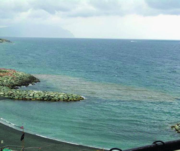 Vernazzola e Quinto Il mare sporco colpa dei depuratori che sono pieni