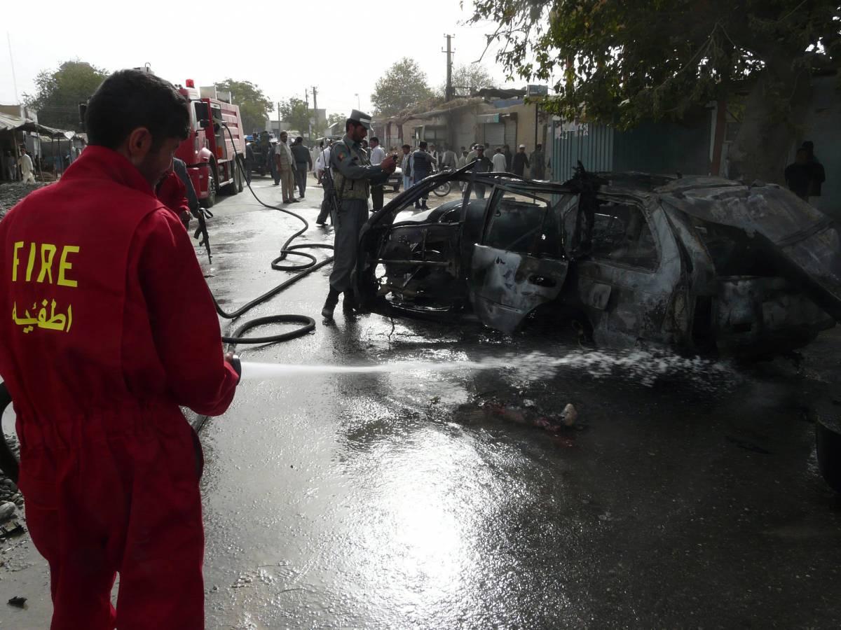Attentato a Kandahar,  i talebani: non c'entriamo  Trovato potente ordigno