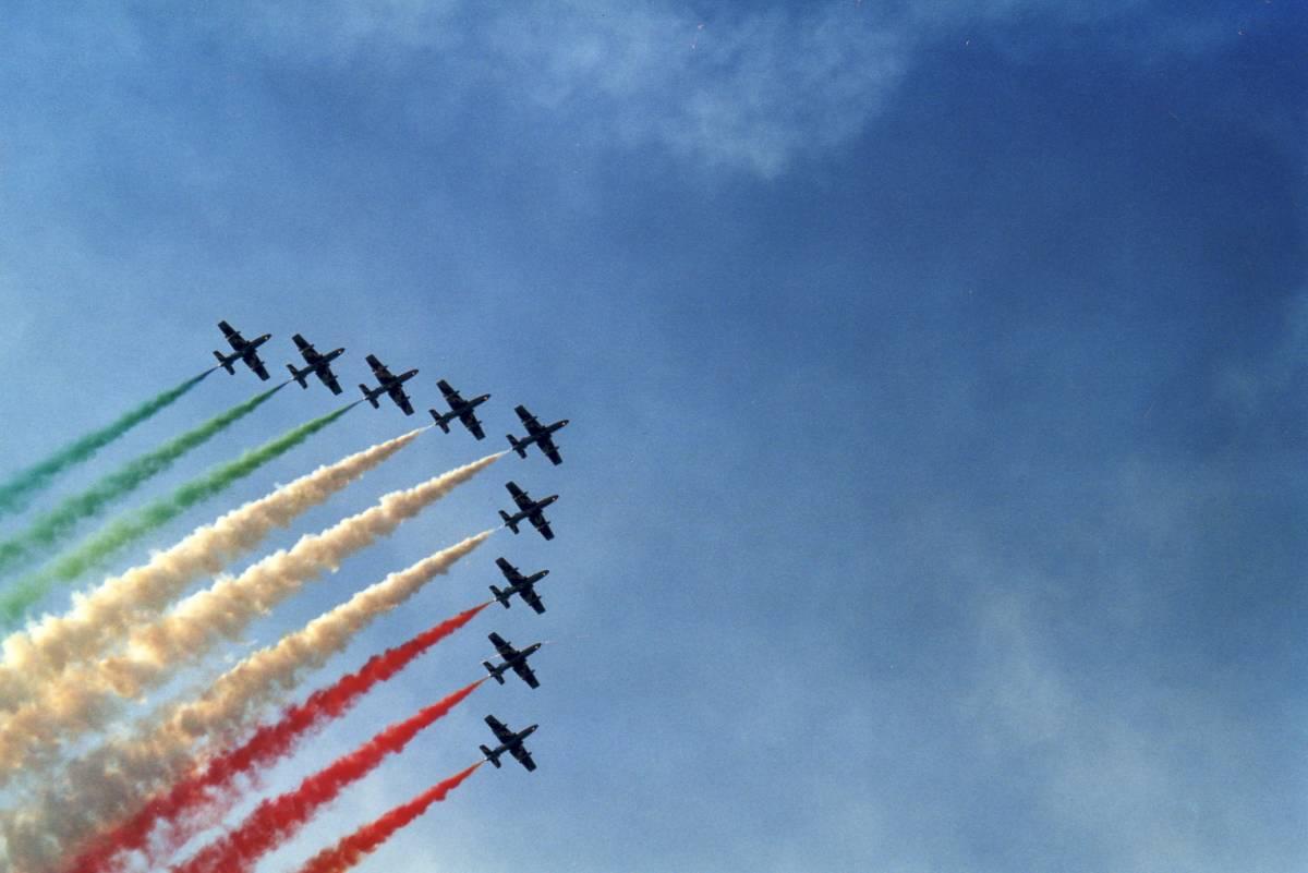 """Frecce Tricolori, giallo sullo scontro con la Libia:  """"Fumo verde? Senza tricolore noi non voliamo"""""""