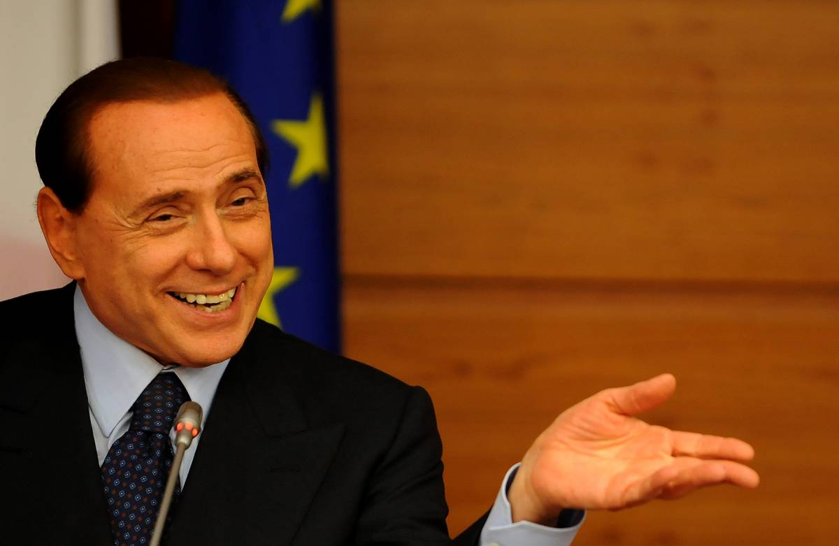 "Berlusconi all'attacco:  ""Se Repubblica insiste  perderà credibilità"""