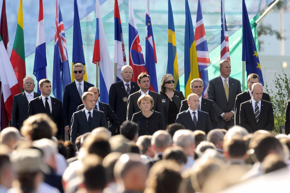 "Danzica, la Merkel: ""M'inchino alle vittime"""