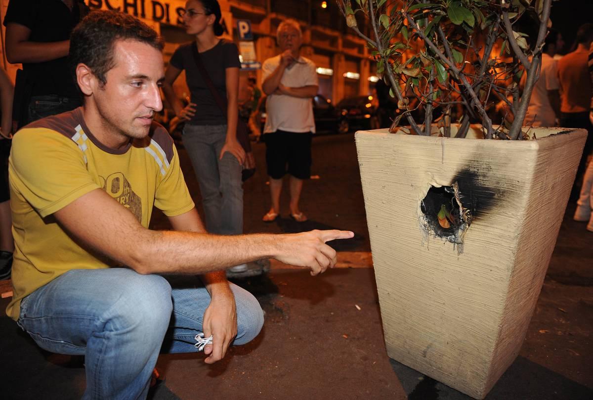 Esplosione in Gay street:  lanciate delle bombe carta  Procura apre un fascicolo
