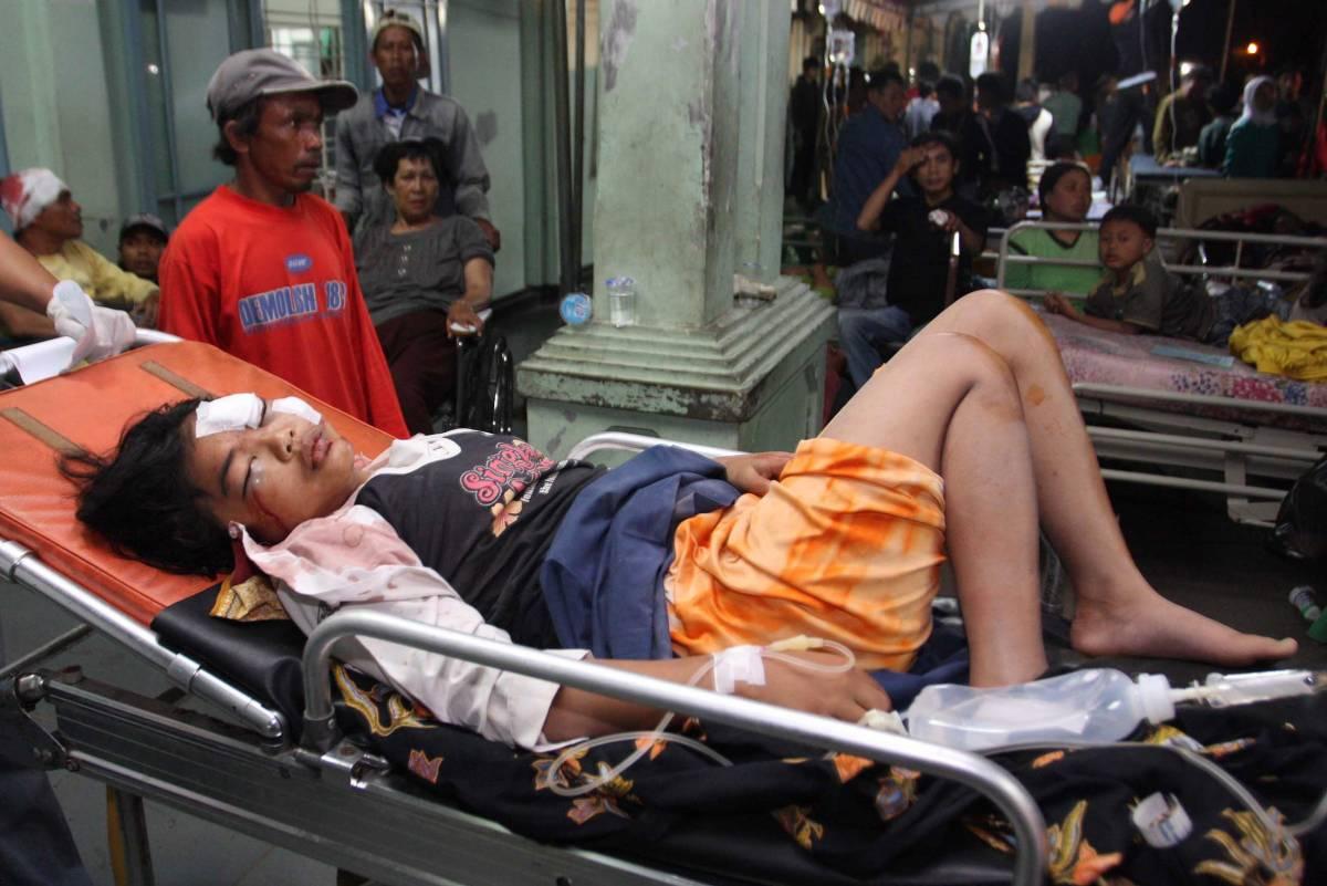 Sisma in Indonesia, 32 morti e 5mila evacuati