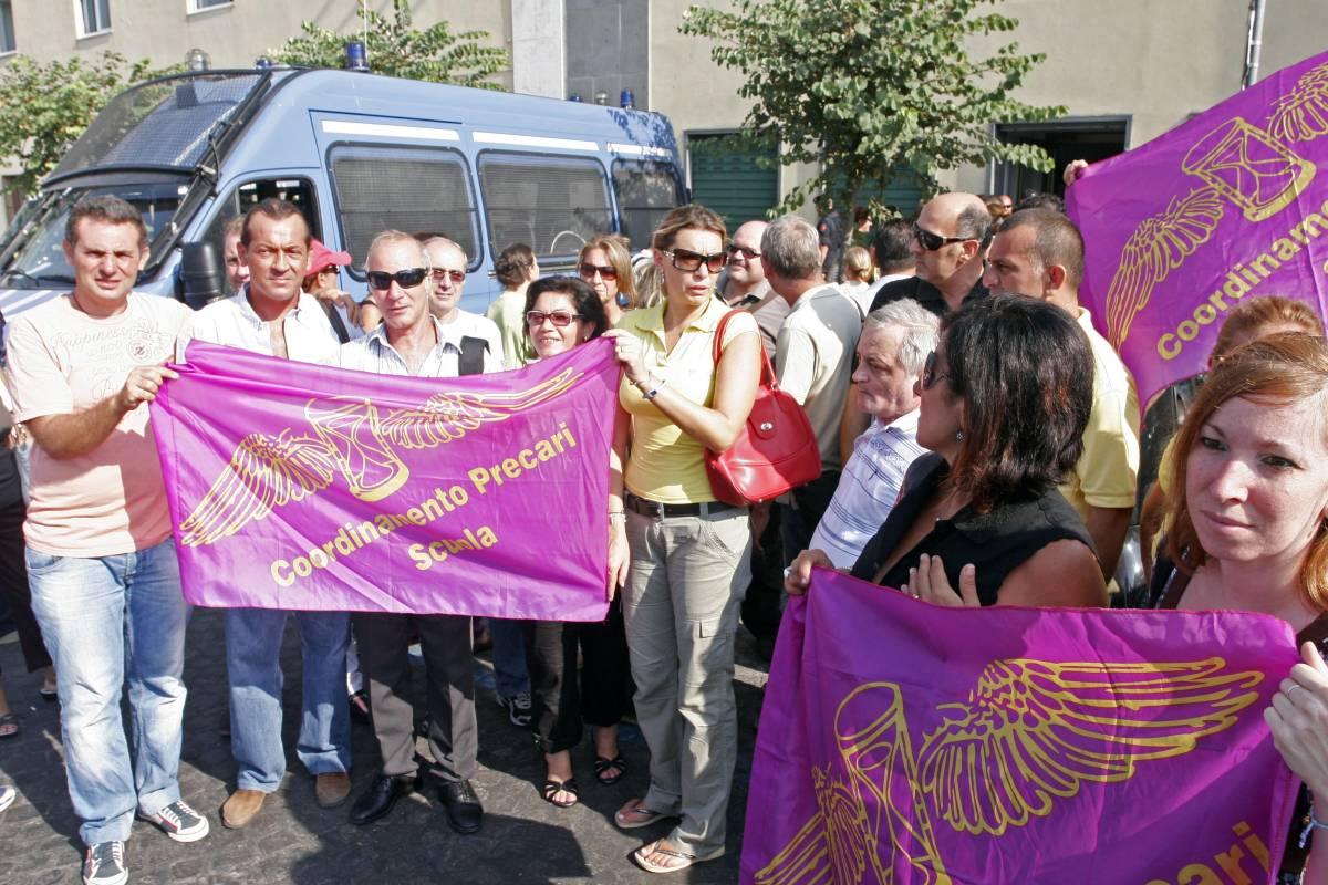 """Prof precari, la Gelmini:  """"Indennità e supplenze""""  Ma la protesta continua"""