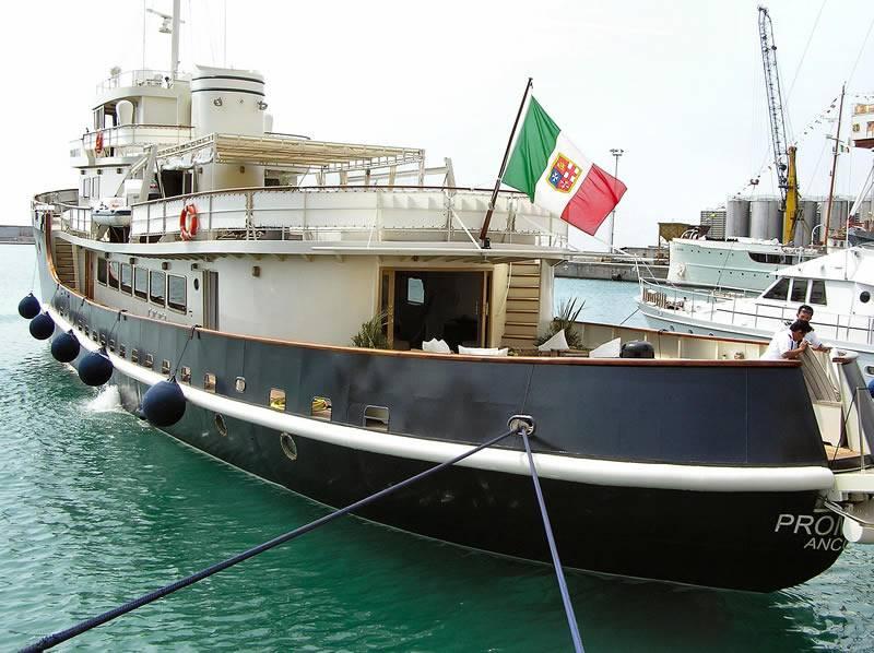 A Imperia sfila il lusso  degli yacht d'epoca