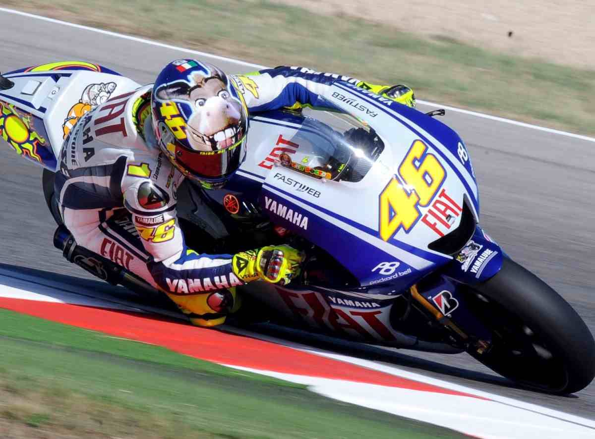 MotoGp, Rossi vola in pole  Pedrosa e Lorenzo dietro