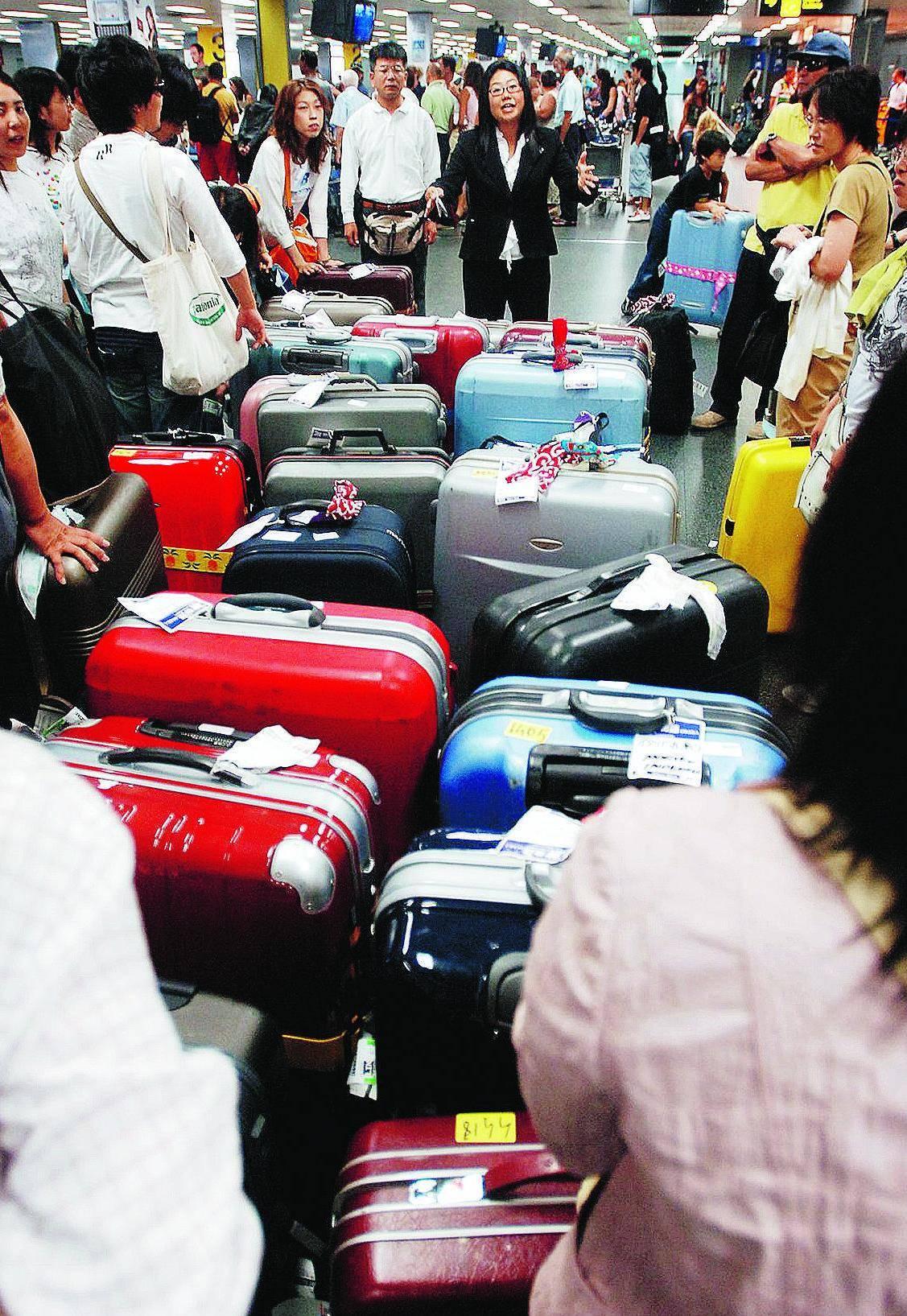 A Linate solo in agosto 2.500 valigie sparite «Tante denunce-truffa»