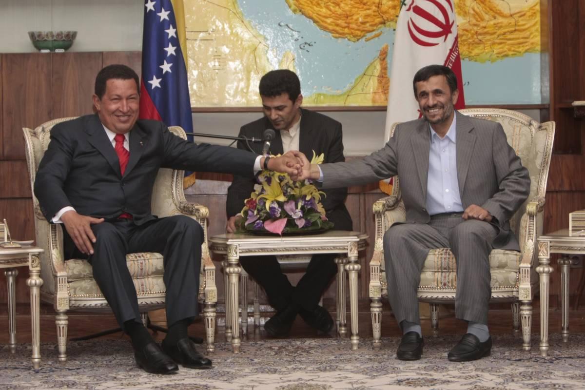Chavez, il caudillo rosso che piace ai radical chic