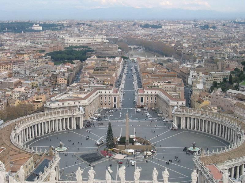"""Santa Sede: """"Serenità istituzionale col governo"""""""