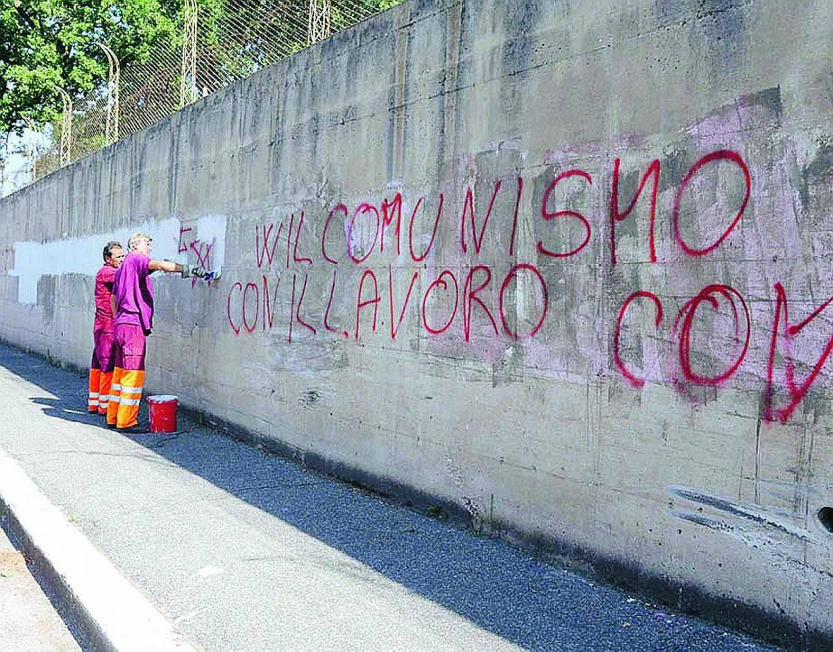 Minacce contro Alemanno sui muri di Forte Bravetta