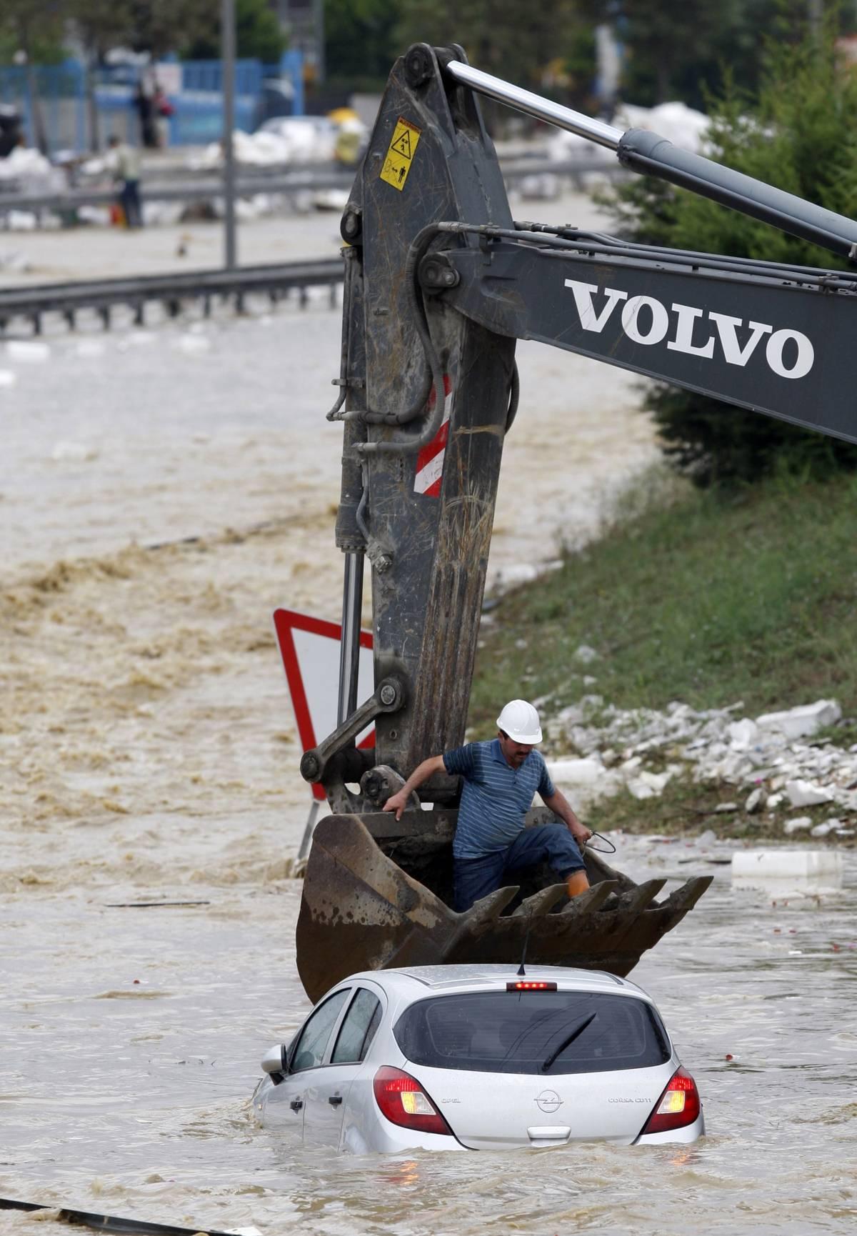 Alluvione a Istanbul: 28 vittime